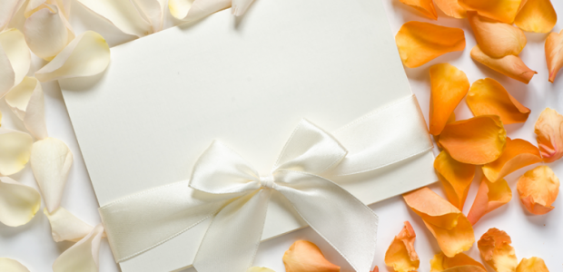 Unique ways to use Rose Petals on your Wedding Day